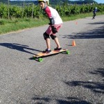 longboard-skate-slalom-kurven-technik-lernen